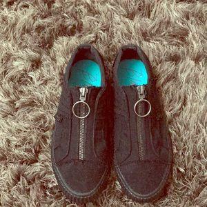 Blowfish Malibu zip up shoe slip on size 7